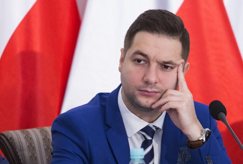 Patryk Jaki: Hanna Gronkiewicz-Waltz zamiast przeznaczać miliardy złotych na inwestycje, dawała je złodziejom /Andrzej Hulimka  /Reporter