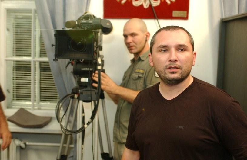 Patryk Vega w swoich produkcjach wykorzystuje znajomość działalności policji oraz tajnych służb. /Agencja W. Impact