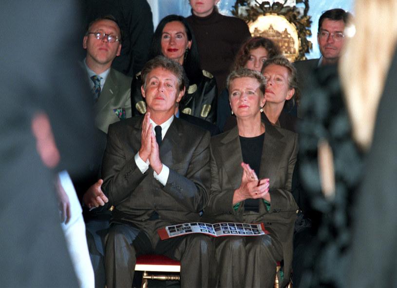 Paul i Linda na pół roku przed śmiercią fotografki, 1997 /Reuters Photographer /Agencja FORUM