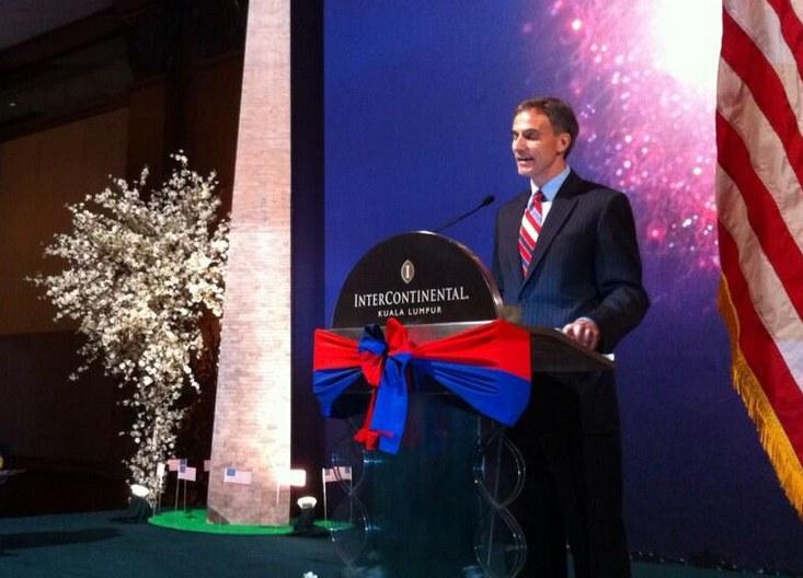 Paul Jones dyplomacją zawodowo zajmuje się od 28 lat /Ambasada amerykańska  /
