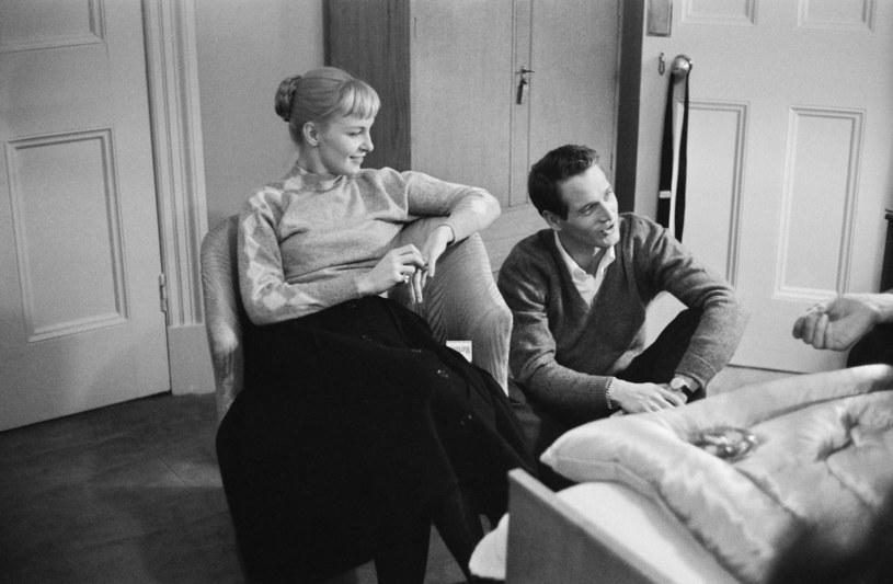 Paul Newman ze swoją żoną Joanne Woodward w 1958 roku /Alan Meek /Getty Images