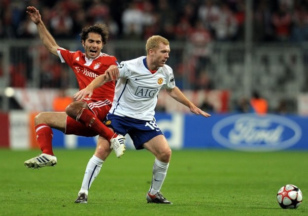 Paul Scholes kontra Hamit Altintop /AFP