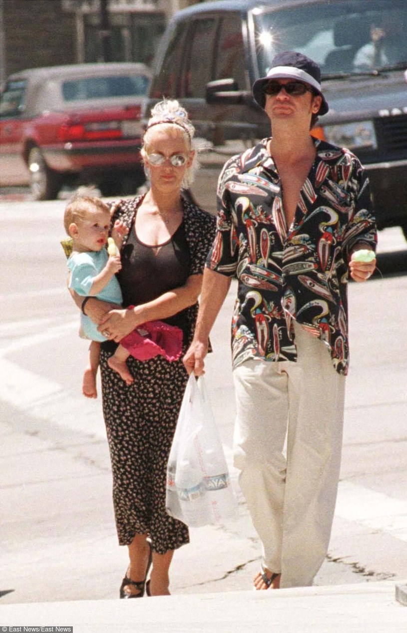Paula Yates i Michael Hutchence z ich córką Tiger Lily /fot. Mike Carrillo /East News