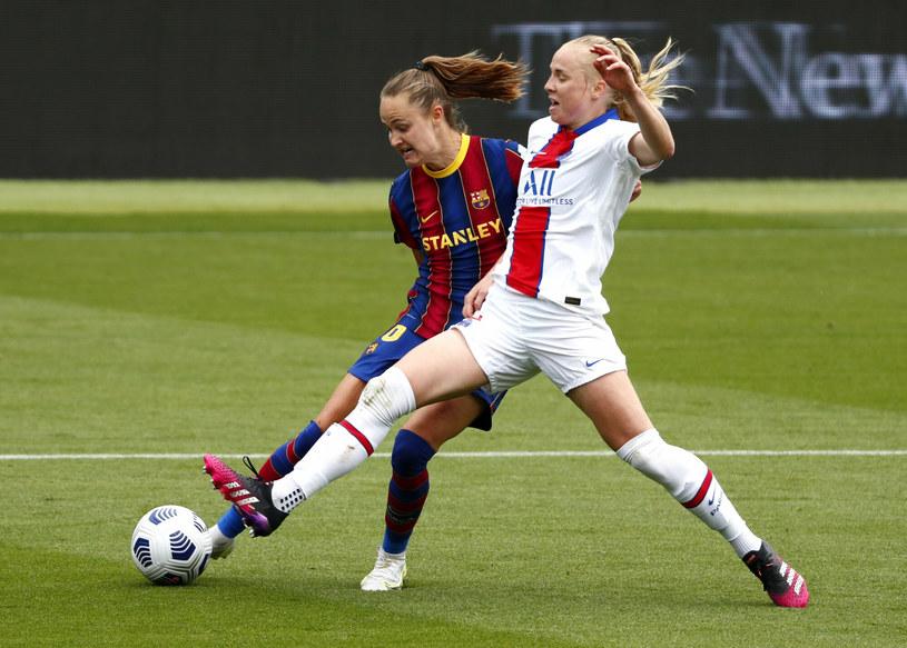 Paulina Dudek (na pierwszym planie) z PSG dotarła także do półfinału Ligi Mistrzyń. Paryżanki uległy jednak późniejszym triumfatorkom rozgrywek z FC Barcelona /AP/Associated Press/East News /East News