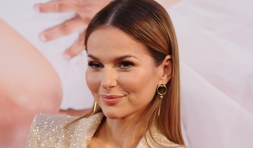 Paulina Sykut-Jeżyna uwielbia stylową biżuterię. Spójrzcie tylko na te kolczyki! /Piotr Andrzejczak /MWMedia