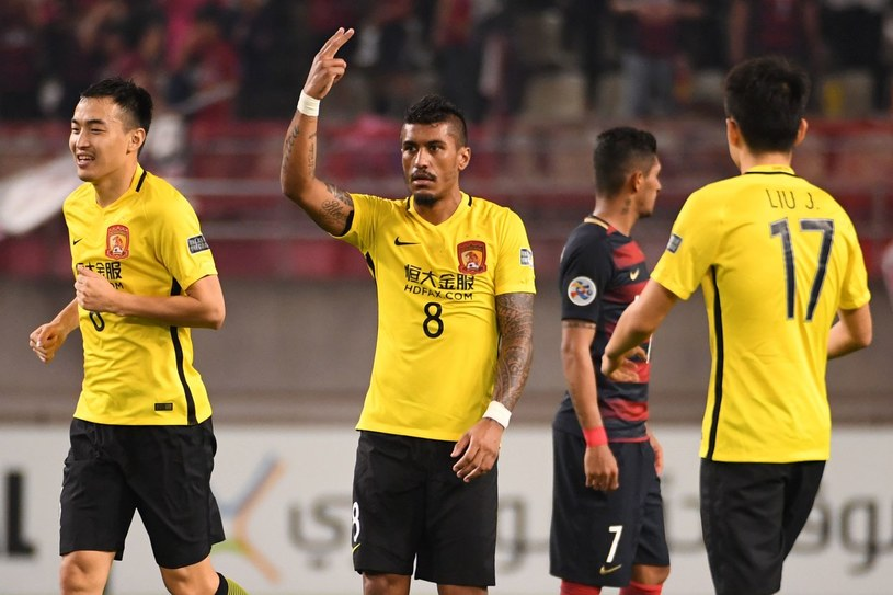 Paulinho świętuje zdobycie bramki w meczu azjatyckiej Ligi Mistrzów /AFP