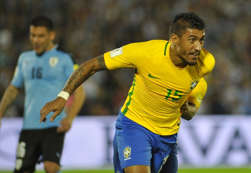 Paulinho w kadrze Brazylii /AFP