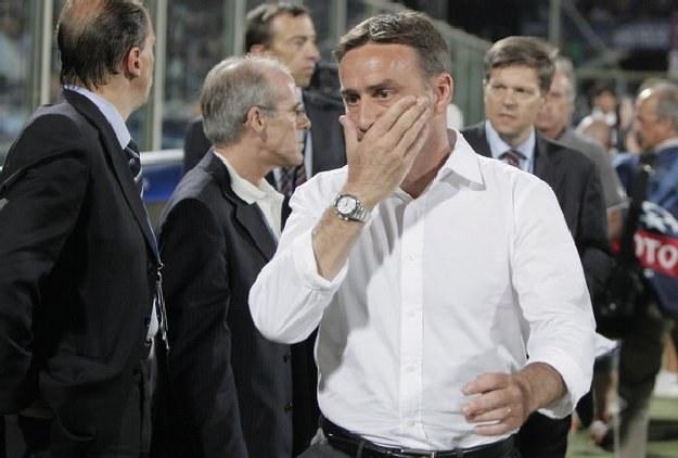 Paulo Bento (biała koszula) /AFP