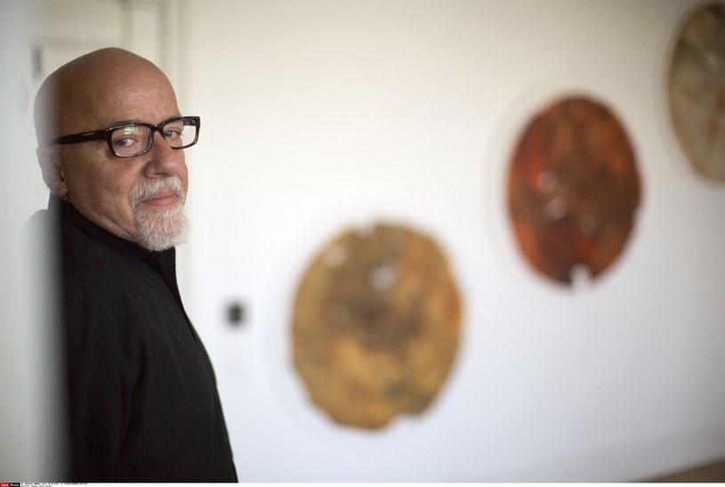 Paulo Coelho w swoim domu w Genewie /East News