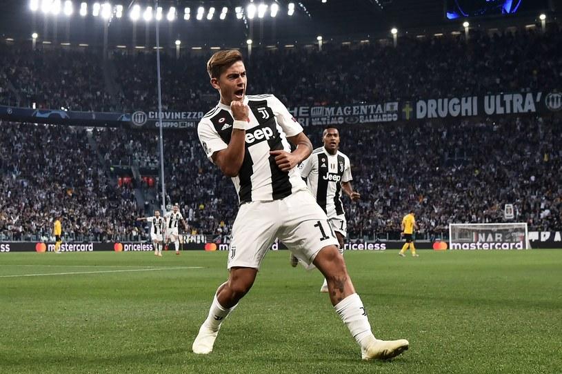 Paulo Dybala cieszy się z gola /AFP