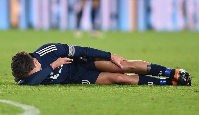 Paulo Dybala doznał kontuzji kolana w ligowym meczu z Sassuolo /PAP