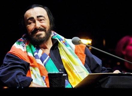 Pavarotti zwykł narzekać na trudności żołądkowe... /AFP