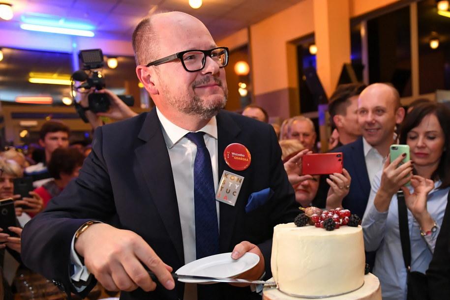 Paweł Adamowicz podczas wieczoru wyborczego / Adam Warżawa    /PAP