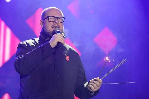 Paweł Adamowicz przemawia ze sceny w trakcie gdańskiego finału WOŚP /Grzegorz Mehring/www.gdansk.pl /PAP/EPA