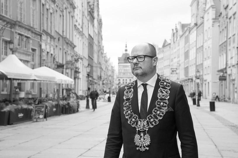 Paweł Adamowicz zginął tragicznie 14 stycznia 2019 roku w wyniku ran zadanych przez nożownika. Do ataku doszło na scenie podczas finału WOŚP /Wojciech Strozyk/ /Reporter