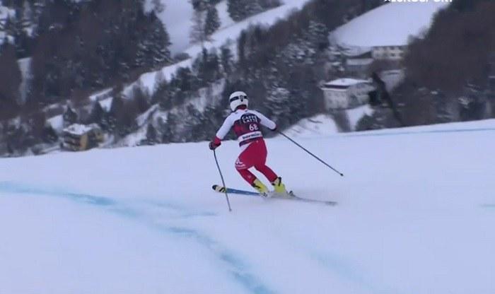 Paweł Babicki na jednej narcie na trasie zjazdu w Bormio /Eurosport