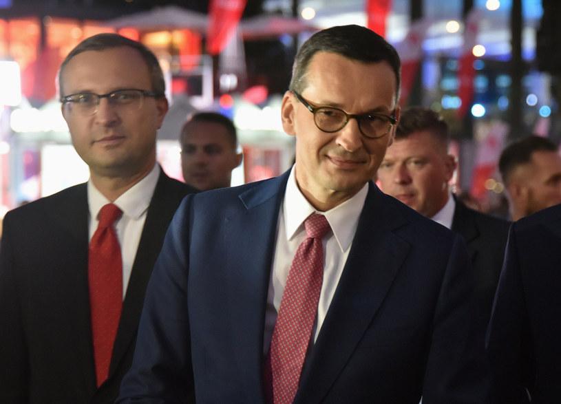 Paweł Borys (L), prezes PFR i premier Mateusz Morawiecki (P) /Artur Barbarowski /Agencja SE/East News