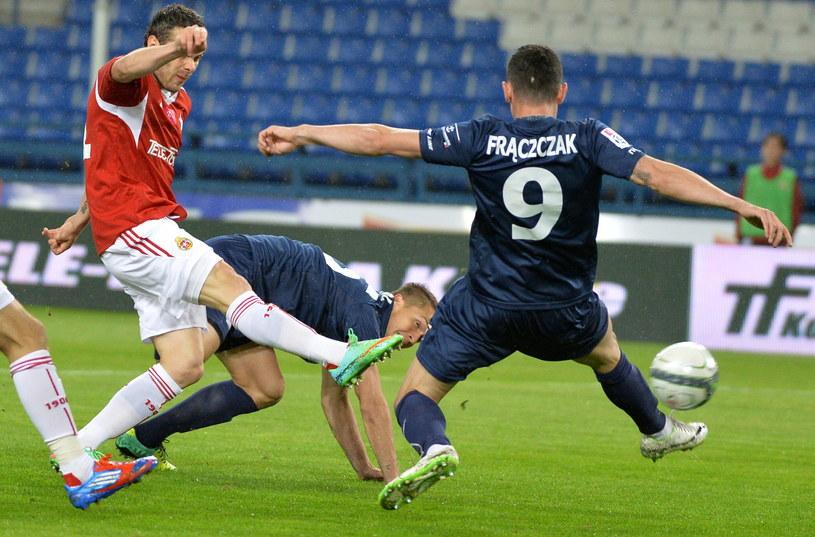 Paweł Brożek strzelił trzy gole w meczu z Pogonią /fot. Jacek Bednarczyk /PAP