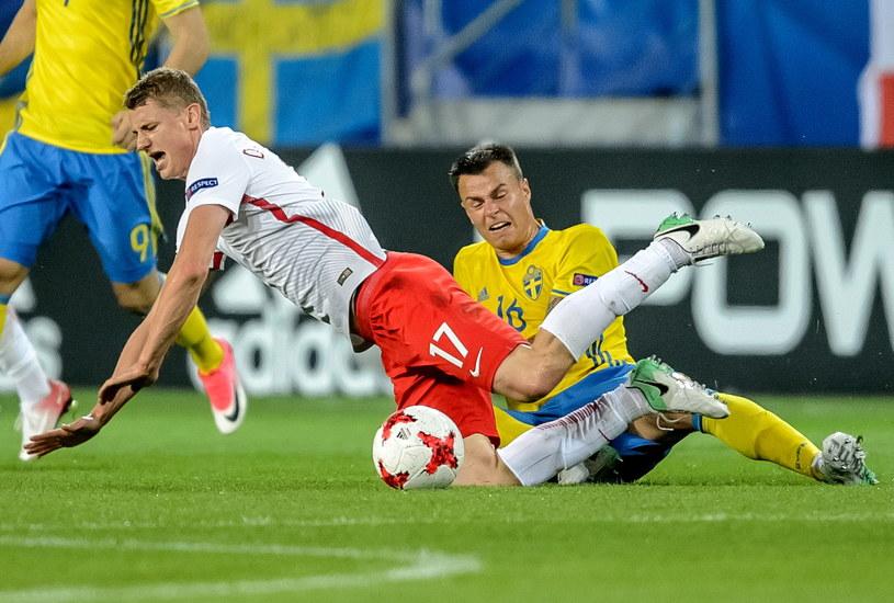 Paweł Dawidowicz (L) w meczu ze Szwedami /Wojciech Pacewicz /PAP