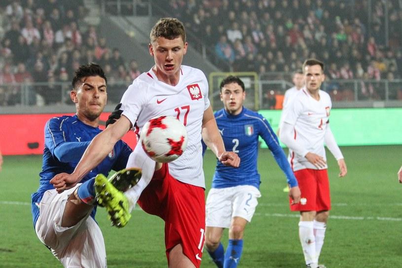 Paweł Dawidowicz (w środku) w meczu reprezentacji U21 Polska - Włochy /Jan Graczyński /East News
