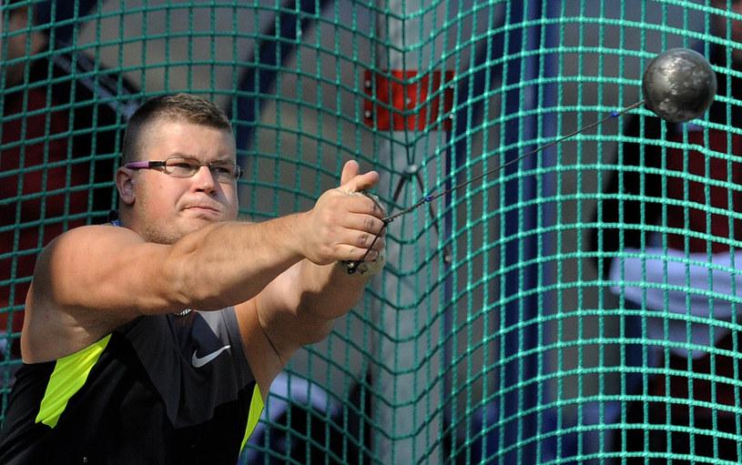 Paweł Fajdek rzucił młotem 77 metrów /AFP