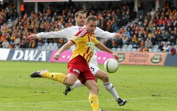 Paweł Golański (w żółtym stroju) tu jeszcze w koszulce Korony Kielce /INTERIA.PL