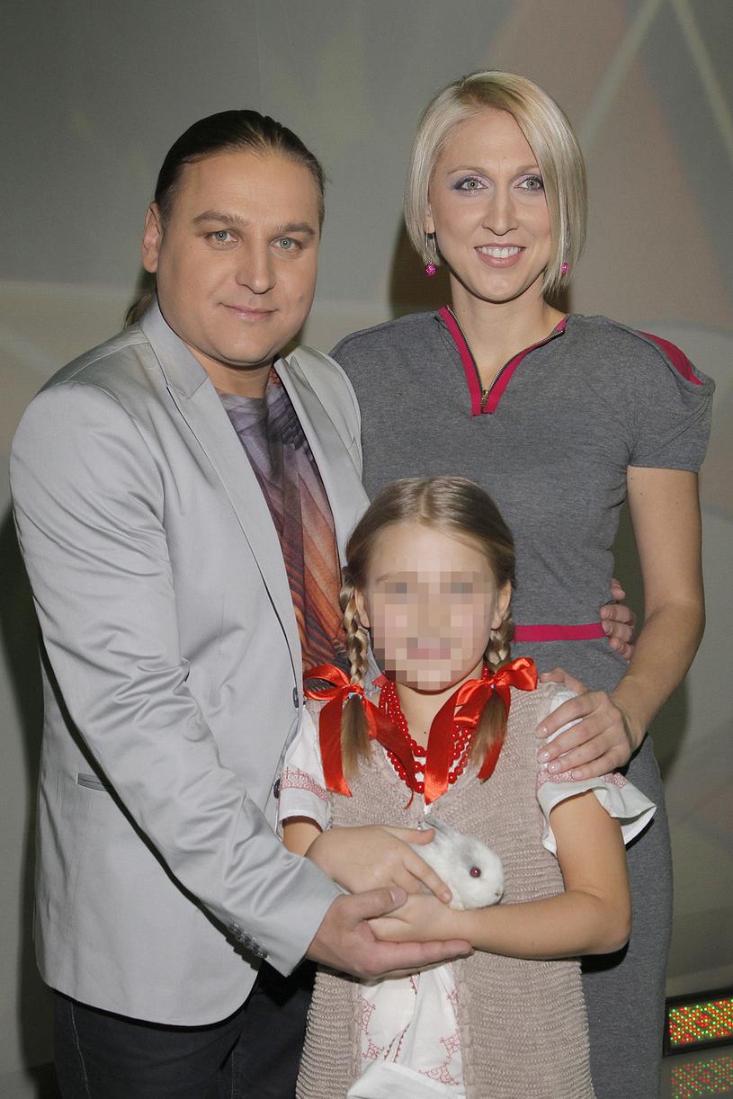 Paweł Golec z żoną Katarzyną i córką Mają /Wojtalewicz Jarosław /AKPA