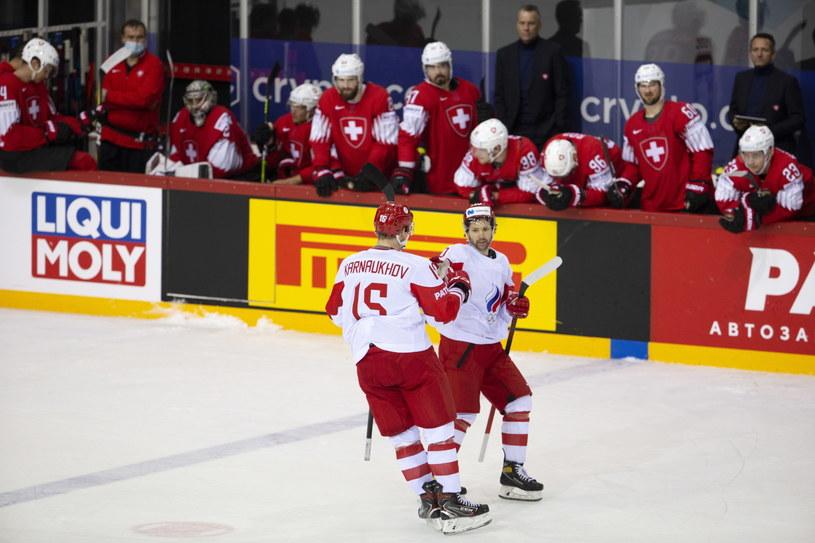 Paweł Karnauchow (z lewej) i Siergiej Tołczinski /PAP/EPA