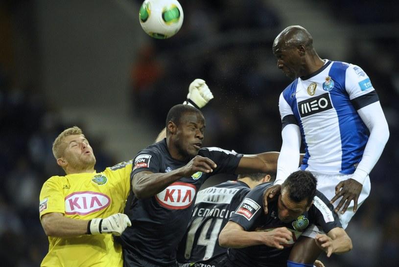 Paweł Kieszek (z lewej) podczas meczu z FC Porto /AFP