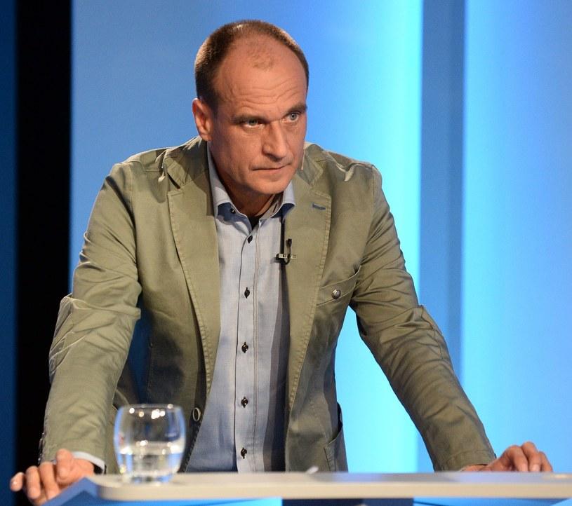 Paweł Kukiz podczas debaty w studiu TVP /AFP