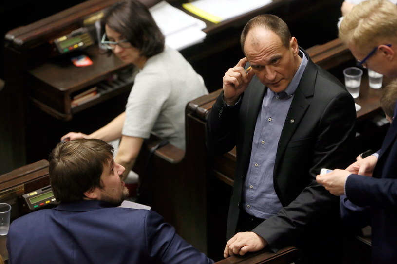 Paweł Kukiz w trakcie posiedzenia Sejmu /Tomasz Gzell /PAP