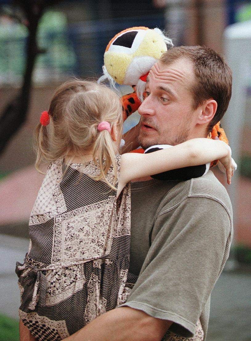 Paweł Kukiz z córką (1998 r.) /Piotr Bławicki /East News