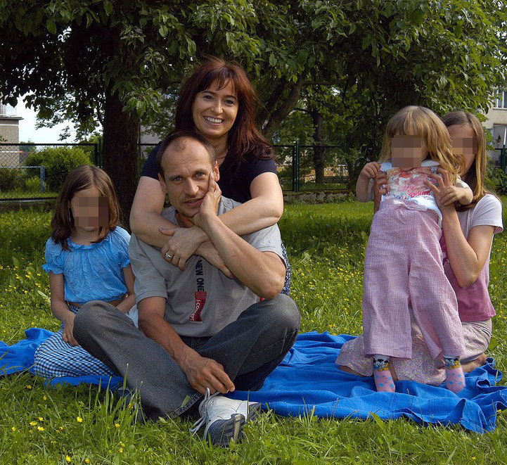 Paweł Kukiz z żoną Małgorzatą i córkami: Julią, Hanią i Polą /Mieczysław Włodarski /Reporter