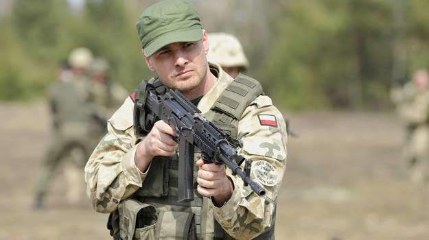 Paweł Małaszyński jako porucznik Paweł Konaszewicz /AKPA
