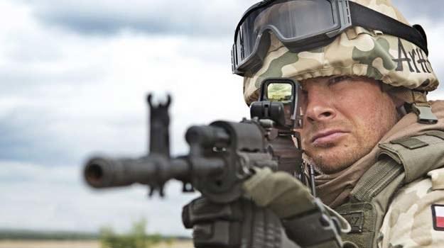 """Paweł Małaszyński na """"Misji Afganistan"""" - fot. Canal+ /"""