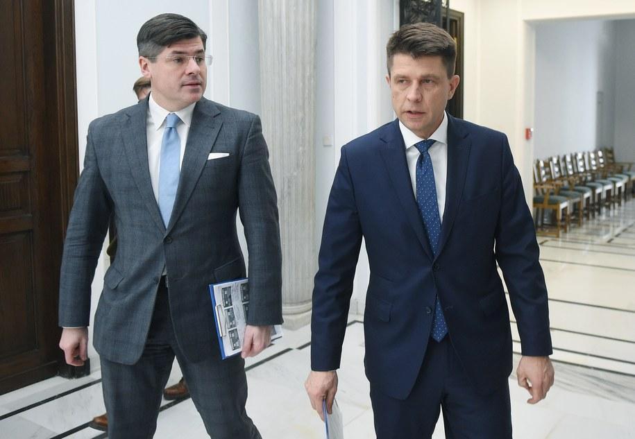 Paweł Pudłowski i Ryszard Petru /Radek Pietruszka /PAP