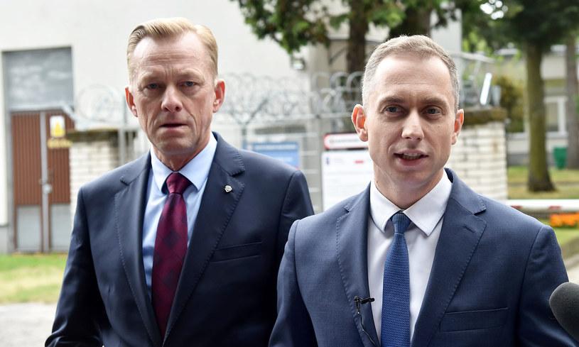 Paweł Suski (po lewej) i Cezary Tomczyk (po prawej) /Fot. Mateusz Jagielski /East News