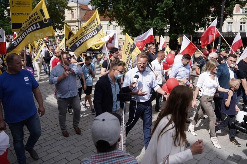 Paweł Tanajno podczas kolejnego tzw. Strajku Przedsiębiorców /Mateusz Wlodarczyk /Agencja FORUM