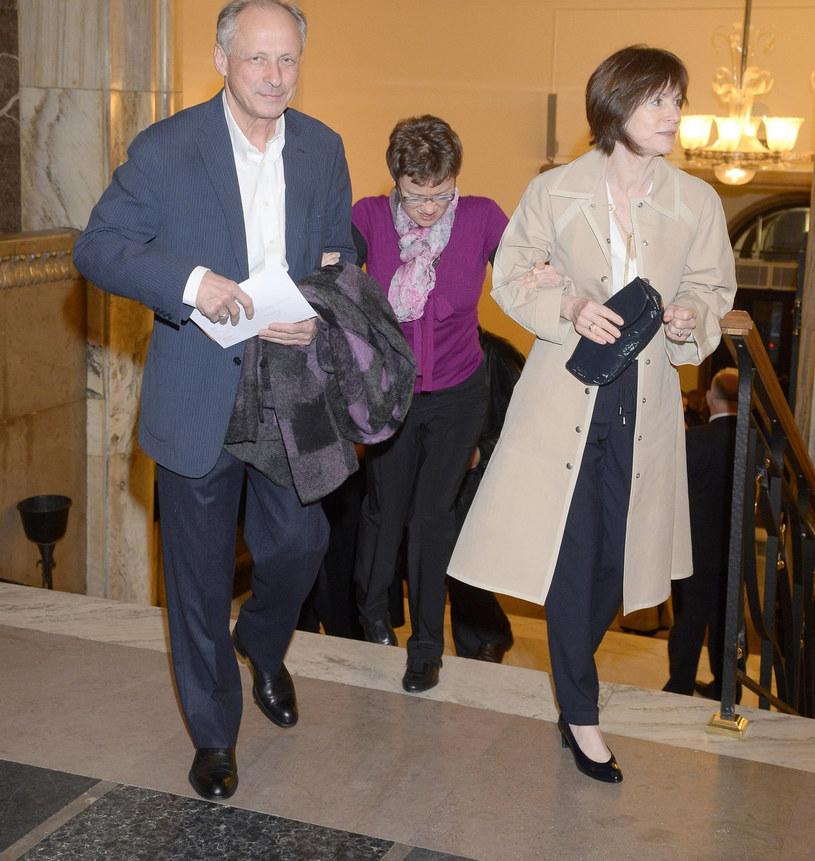 Paweł Wawrzecki z córką i żona, 2014 rok /East News