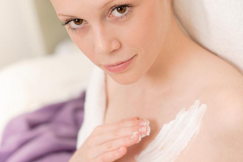 Pawidłowe nawilżanie skóry opóźni jej starzenie  /© Panthermedia