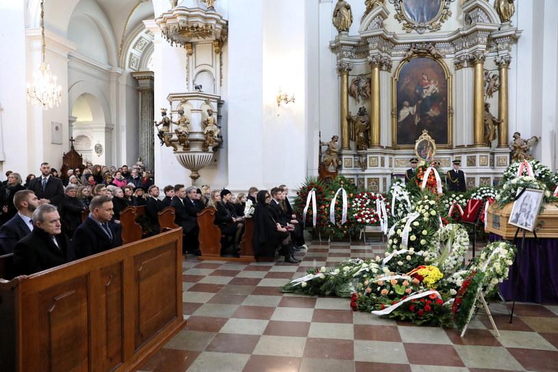 Pawła Królikowskiego żegnają rodzina, przyjaciele i najważniejsze osoby w państwie /Leszek Szymański /PAP