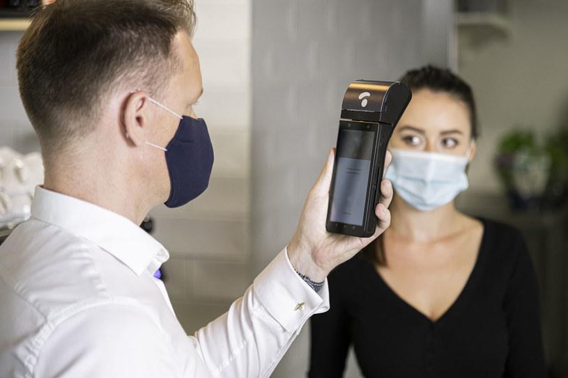 PayEye w praktyce - rozwiązanie jest promowane jako bezpieczny sposób płacenie w dobie pandemii /materiały prasowe