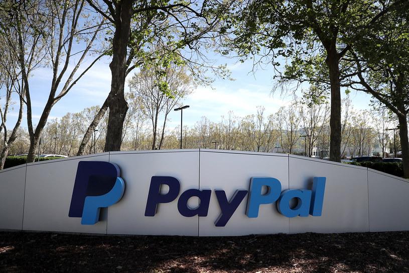 PayPal pobierze nową opłatę /AFP