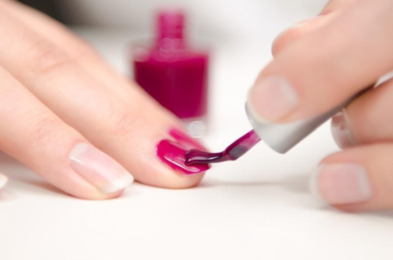 paznokcie malowanie /© Photogenica