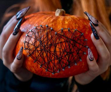 Paznokcie na Halloween 2021: Pomysły na modne i proste wzorki