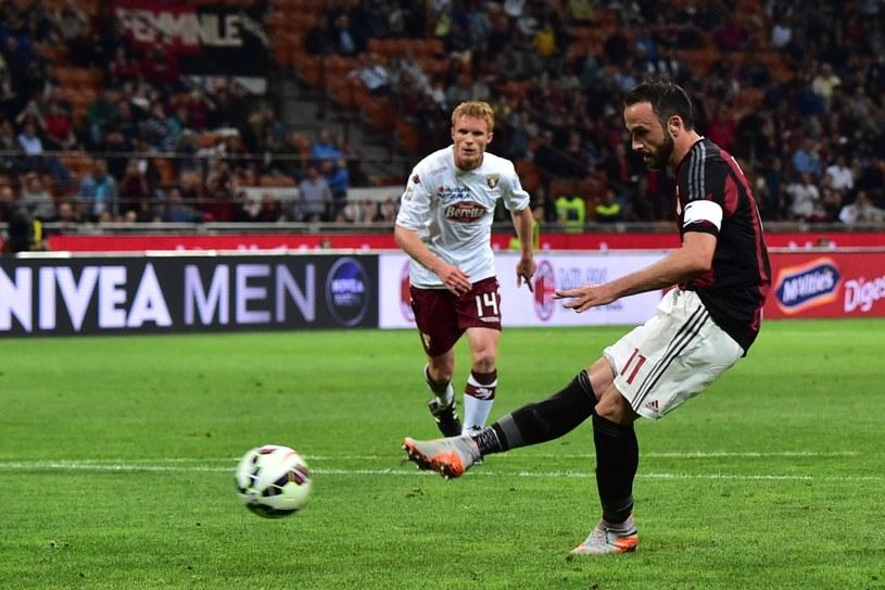 Pazzini w roli kapitana Milanu podczas spotkania z Torino FC /AFP