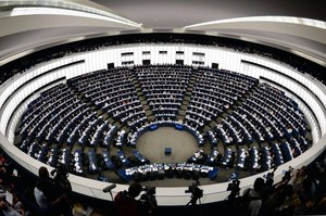 PE: Debata o Węgrzech. Przy okazji o Polsce