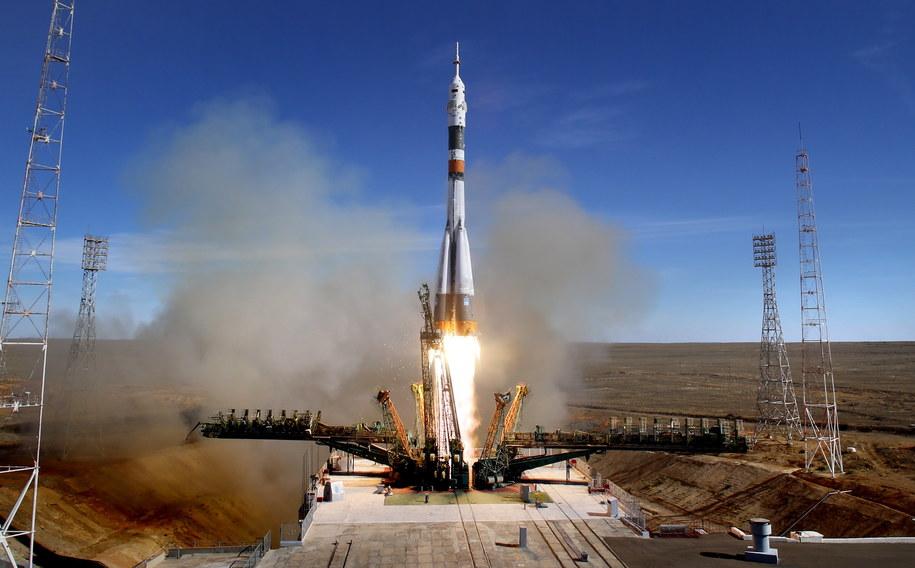Pechowy czwartkowy start Sojuza z Amerykaninem Nickiem Hague i Rosjaninem Aleksiejem Owczyninem na pokładzie /YURI KOCHETKOV /PAP/EPA