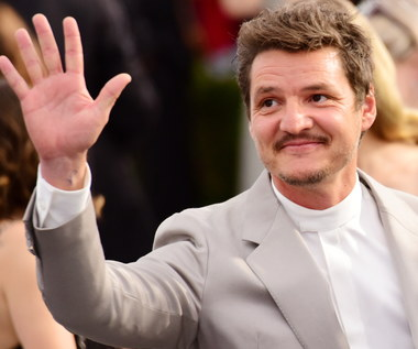 Pedro Pascal jako Joel w serialu The Last of Us