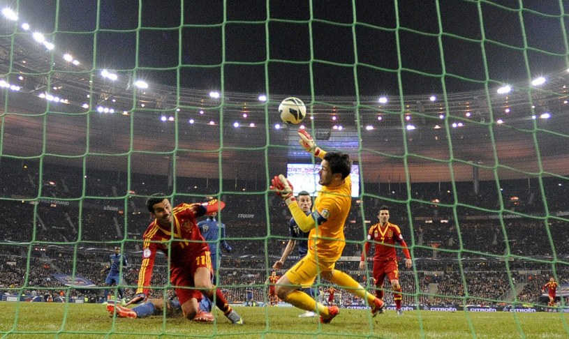 Pedro Rodriguez zdobywa bramkę dla Hiszpanii w meczu z Francją /PAP/EPA